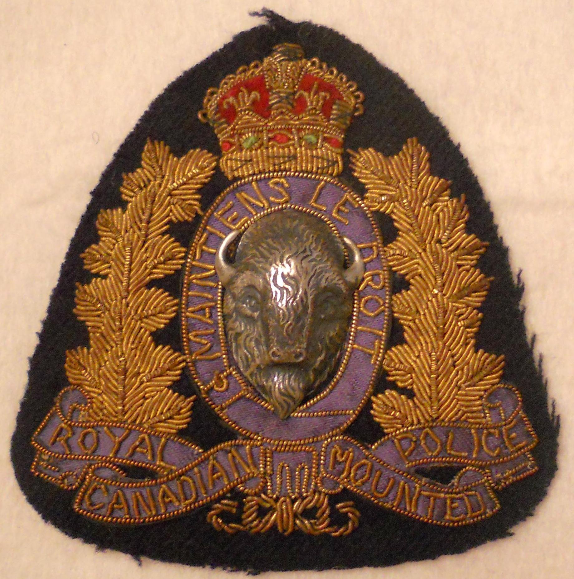 badge crest kings crown