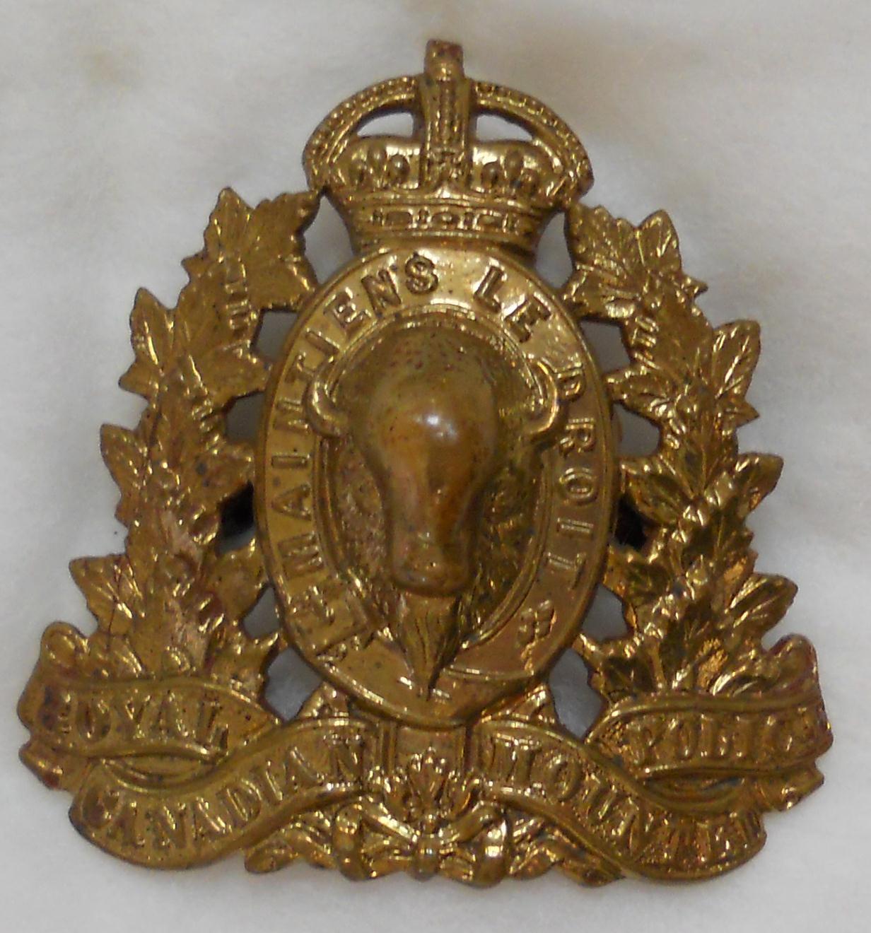 badge kings crown